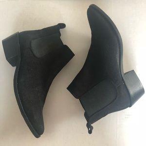 Report Kira Black Booties Size 7